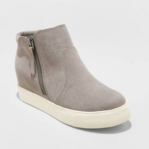 NWT Universal Thread Grey Platform Wedge Sneakers
